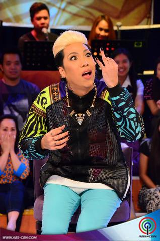 """PHOTOS: Mga nakakaaliw na facial expressions ni Vice habang kumakanta siya ng """"Oh My Lord"""""""