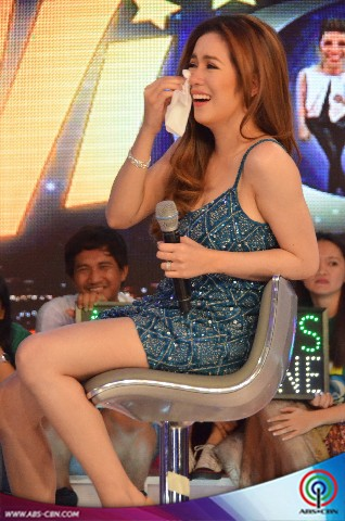 An emotional Angeline Quinto on Gandang Gabi Vice